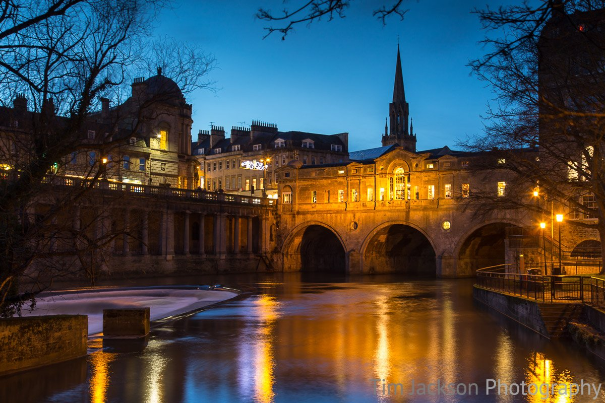 Pulteney Bridge and Wier at Night