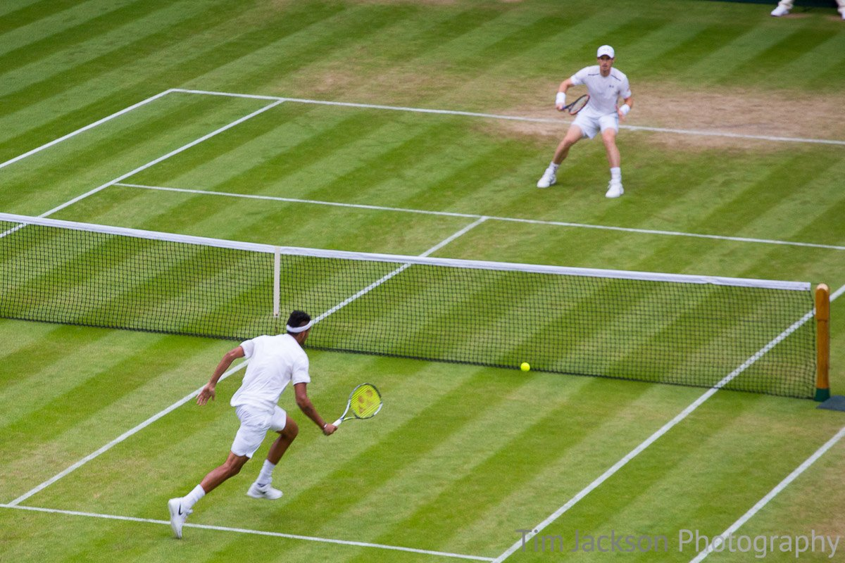 Andy Murray wins tennis match against Nick Kyrgios in straight sets to go through to quarter final of Wimbledon 2016. 4